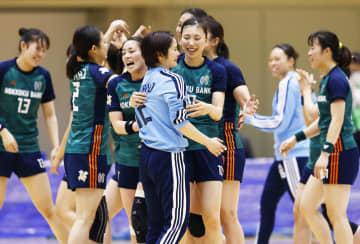 ハンドボール、北国銀行が2連覇 日本選手権女子、大体大を下す 画像1