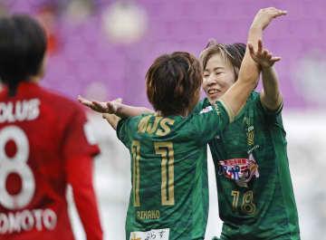 サッカー皇后杯、日テレが4連覇 浦和に4―3で競り勝つ 画像1