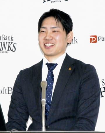 ソフトB石川柊太8千万円で更改 「らしさ確立させた」と笑顔 画像1
