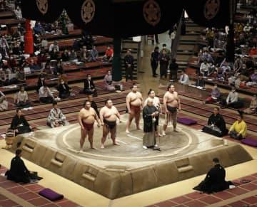 力士ら900人にPCR検査 大相撲初場所開催に向け 画像1