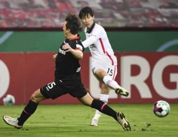 鎌田は後半途中退く、ドイツ杯 2回戦、フランクフルト敗れる 画像1