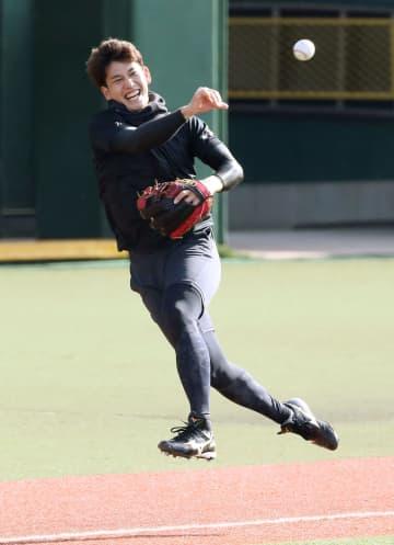 ソフトB栗原、三塁挑戦に意欲的 昨季は外野手で活躍の捕手 画像1