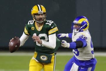 パッカーズとビルズが勝利 NFLプレーオフ 画像1