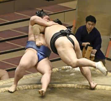 正代と大栄翔、2敗でトップ並ぶ 朝乃山かど番脱出、1差は2人 画像1