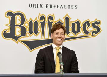 オリの吉田正尚は2億8千万円 昨季首位打者、決意新た 画像1