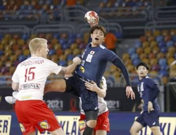 ハンド、日本は前回王者に完敗 世界選手権2次リーグ 画像1