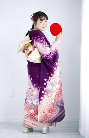 卓球の伊藤美誠「金メダル取る」 振り袖姿で20歳の抱負 画像1