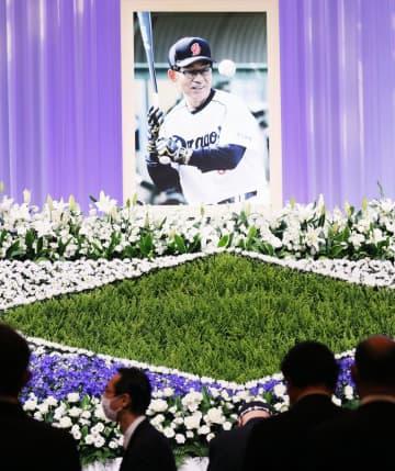 中日OBらが高木守道さんに別れ 2006年に野球殿堂入り 画像1