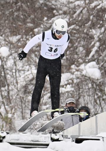 渡部陸太が優勝、葛西紀明は7位 HTB杯ジャンプ 画像1
