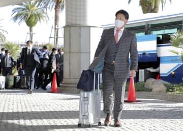 オリックス吉田正「優勝目指す」 キャンプ地宮崎に、最下位浮上へ 画像1