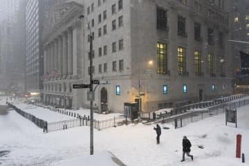 NY株反発、3万ドル回復 229ドル高、値ごろ感 画像1