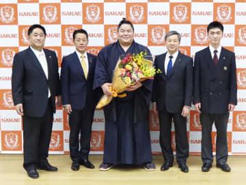 初優勝の大栄翔「とても幸せ」 埼玉の母校に報告、米差し入れへ 画像1
