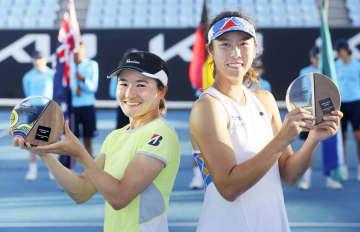 青山、柴原組が今季ツアー2連勝 女子テニス、全豪オープンへ弾み 画像1