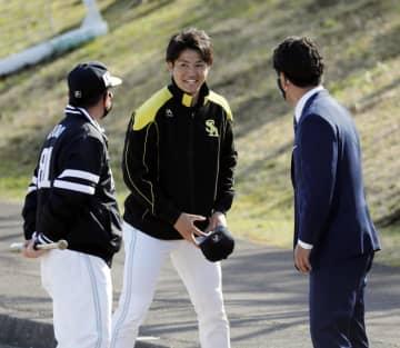 稲葉監督「野球界一つになって」 キャンプ視察終了 画像1