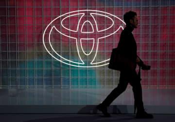 トヨタ、米新車4割を電動化 25年目標、EV年内発表も 画像1