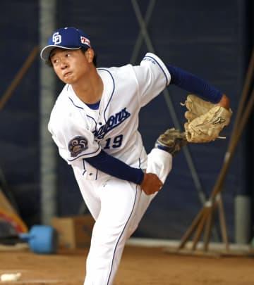 ルーキー高橋宏、初の投球練習 中日ドラフト1位、148キロも 画像1