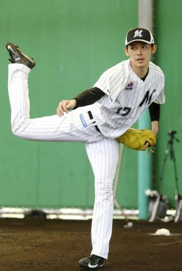 佐々木朗希、変化球交え30球 13日以降も沖縄・石垣で調整へ 画像1