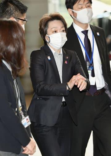 橋本五輪相「信頼回復へ努力」 組織委の森会長から電話で辞意 画像1