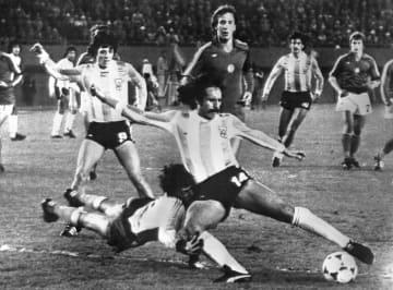 サッカーW杯優勝のルケさん死去 アルゼンチン、コロナ感染で 画像1