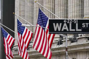 NY株続伸、最高値更新 64ドル高、経済対策期待 画像1