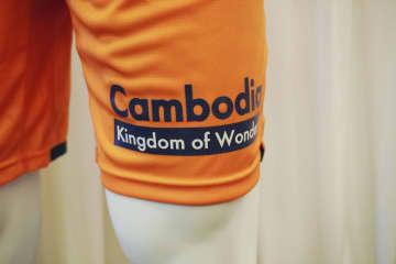 J1ユニホームで観光支援 タイカ、カンボジアのロゴ 画像1
