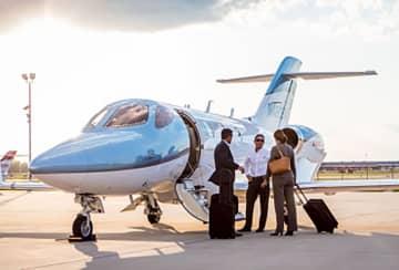 ホンダ機、チャーター便運航開始 国内初の一般客向け 画像1
