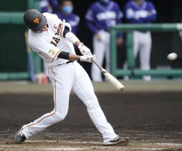 巨人の坂本、初対外試合で二塁打 「完璧だった」と納得 画像1