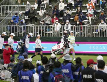 渋野日向子ら、女子ゴルフ初戦 1年3カ月ぶりに観客の声、沖縄 画像1