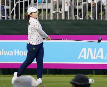 19歳西郷が首位、渋野20位 女子ゴルフ、国内ツアー今年初戦 画像1