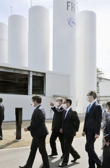 トヨタ社長、水素活用実証に意欲 福島の施設を視察 画像1