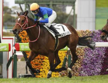 女性ジョッキー古川奈穂が初勝利 JRA、レース12戦目で 画像1