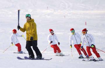 スキー場の聖火リレー練習公開 福島県猪苗代町 画像1
