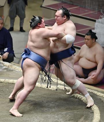 3日目、正代と朝乃山が2勝目 貴景勝に土、白鵬休場 画像1