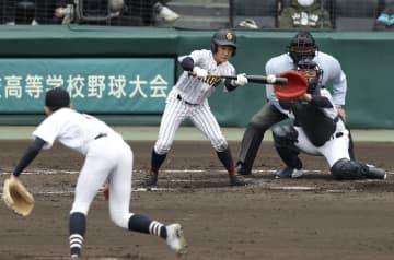 三島南2―6鳥取城北 鳥取城北、集中打で逆転 画像1