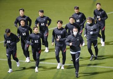 サッカー韓国代表が初練習 特別な防疫措置で入国許可 画像1