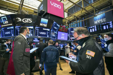 NY株反発、199ドル高 米経済正常化に期待 画像1