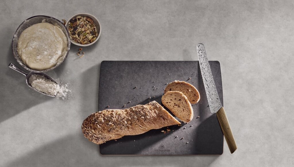 Damast Bread and Pastry Knife