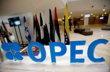 原油協調減産、段階緩和へ OPECプラス、価格下落も 画像1