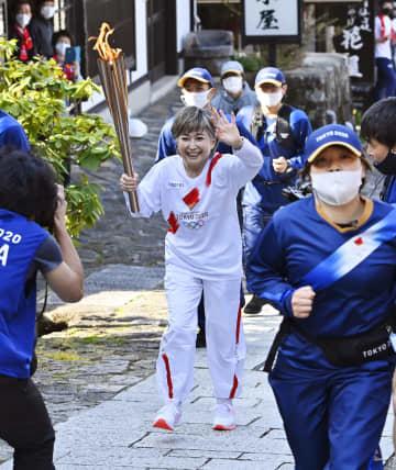 五輪聖火リレー、東海入り 竹下景子さん「特別な一日」 画像1