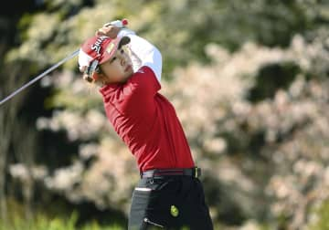 山下美夢有、高橋彩華が首位タイ 女子ゴルフ第3日 画像1