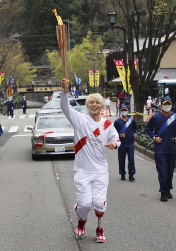 聖火リレー、岐阜で2日目 義足ダンサー「希望の光」 画像1