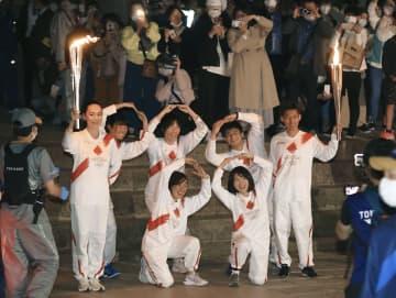 聖火、世界遺産の寺巡り大仏殿へ 109歳に河瀬直美さんも 画像1