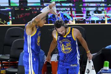 NBA、カリーが得点球団新記録 チェンバレン抜く 画像1