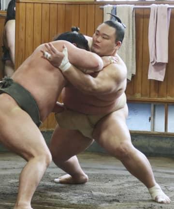 大関朝乃山、2年ぶり優勝へ意欲 「前半を取りこぼさないように」 画像1