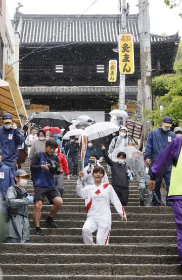 聖火、こんぴらさん巡る 日本版ウユニ塩湖も、香川 画像1