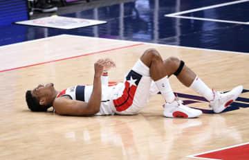 八村塁、左膝を痛め途中退場 NBA、チームは4連勝 画像1