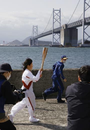 五輪聖火、瀬戸内海の島巡る 香川2日目 画像1