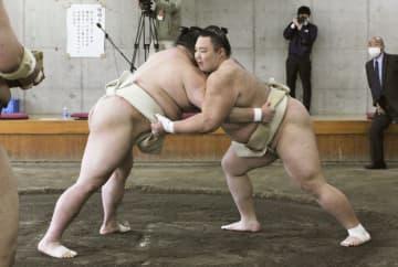 朝乃山、かど番正代を圧倒 合同稽古開始、照ノ富士欠席 画像1