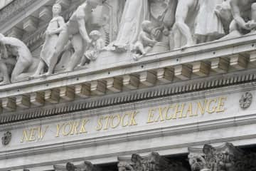 NY株続落、256ドル安 世界経済の回復遅れ懸念 画像1