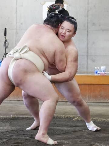 朝乃山が正代に10勝5敗 大相撲夏場所へ、合同稽古終了 画像1